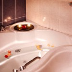 Say good bye to tension with Cleopatra Bath + Massage 60 min
